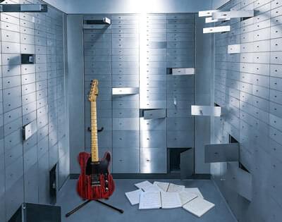 Beginners Guitar Lesson Vault Image
